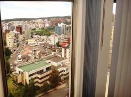 Oportunidad: 3 Dorm. Master, Espectacular Vista a La Ciudad por 3 Lados!