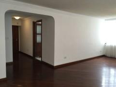 EN VENTA: hermoso departamento 2 dormitorios, Quito Tenis