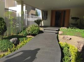 Suite con jardín y terraza: Vista grande-Cumbayá