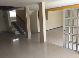 Amplia casa para oficinas en la Jipijapa