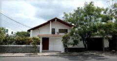Amplia y elegante casa 5 dormitorios, con jardín, La Católica-Cumbayá