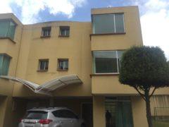 Casa 4 dormitorios más patio