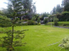 TERRENO CON CASA en Club Valle de Los Chillos