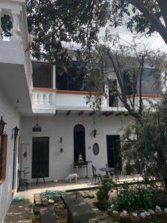 Casa con terrazas y patio: Sangolquí (Santa María)