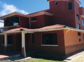En Venta Casa - Quinta, Sector Los Cuarteles, Valle Chillos