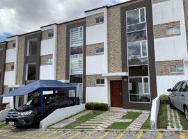 3-4 dormitorios, casa en venta sector El Condado
