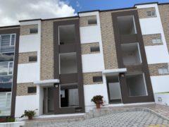 En venta casa con estudio: sector El Condado