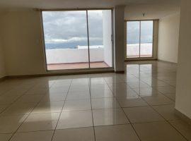Pinar Alto: amplia casa 2 pisos